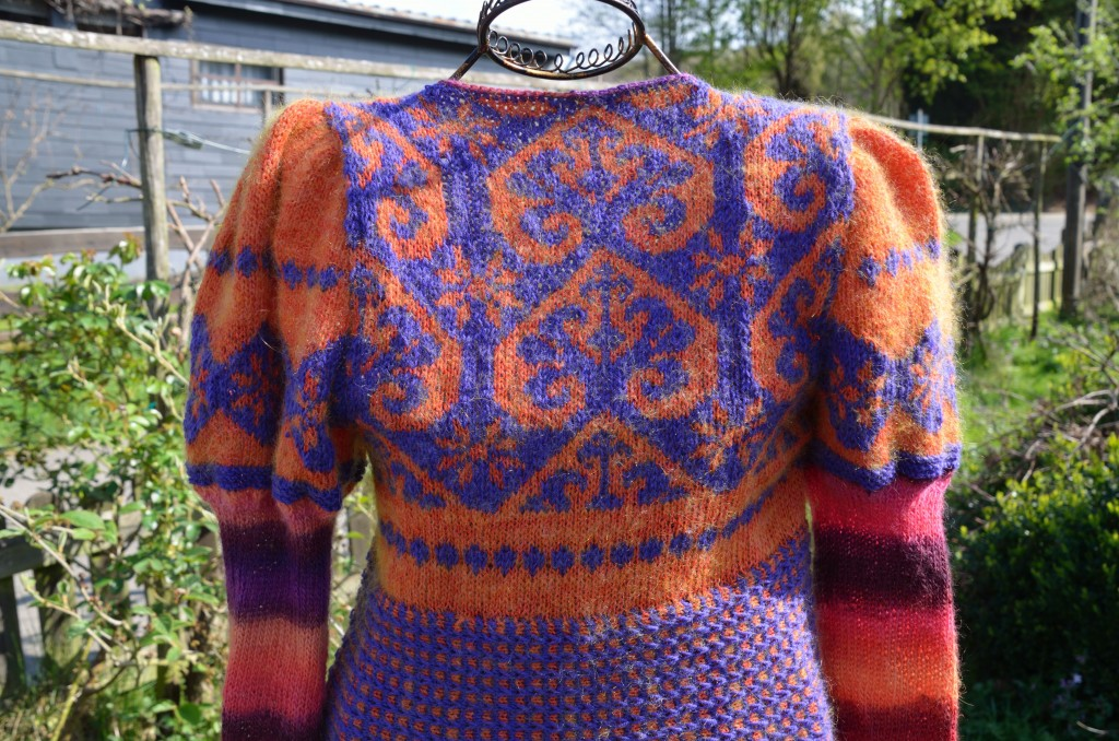 Pullover_orange_viola__Detail_2014_March