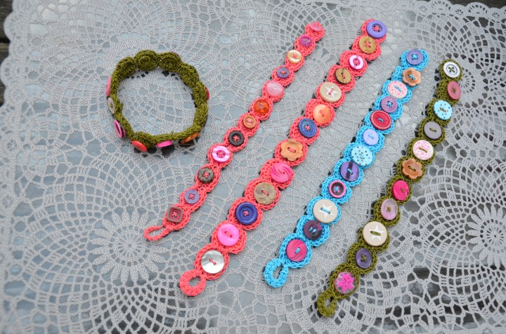 Bracelet_with_buttons
