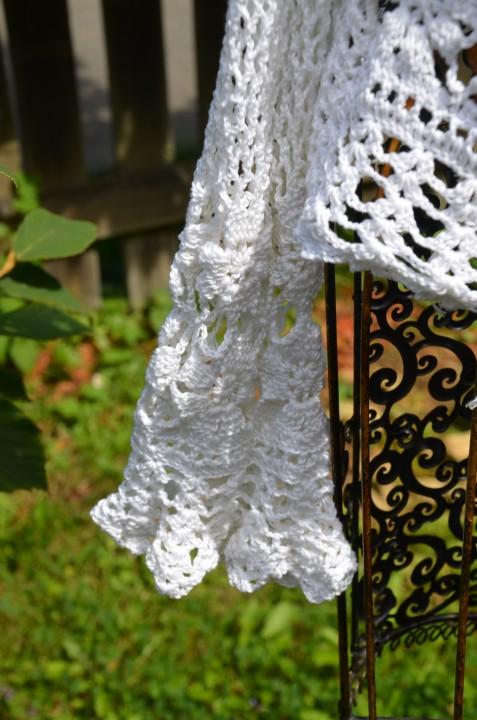White summer cardigan_detail
